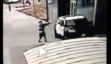Agentes de la Policía de Los Ángeles son baleados en aparente emboscada
