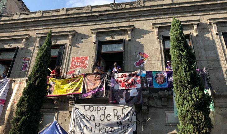 Colectivas feministas hacen 'Antigrita' en Refugio Ni Una Menos
