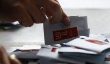 Diputados no se rinden y aprueban en comisiones dos proyectos para garantizar voto no presencial en el plebiscito