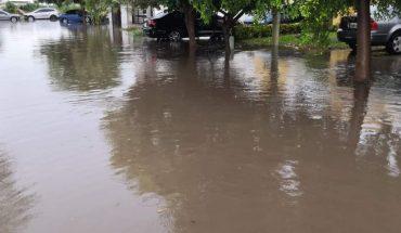 Llueve 32 mm en Los Mochis y se inundan varias calles