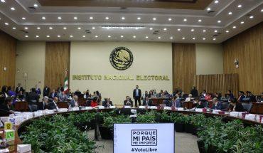 Procesan a 4 directivos del INE por irregularidad en contrato de banquetes