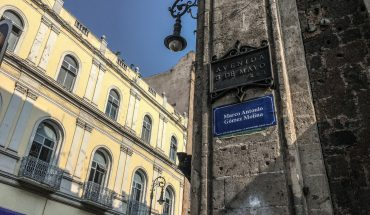 Renombran calles del Centro Histórico de CDMX con los 43 desaparecidos