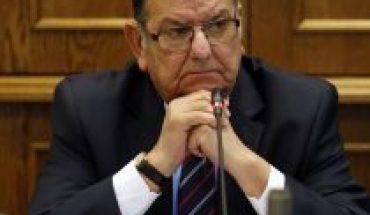 """Senador Quinteros (PS) considera que aprobación de proyecto que incorpora a trabajadores de casa particular al seguro de desempleo """"no es suficiente"""""""