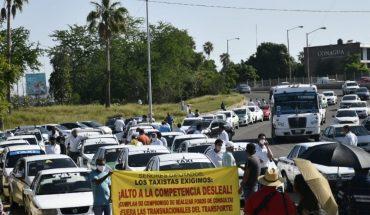 Taxistas protestan contra Uber en el Congreso del Sinaloa