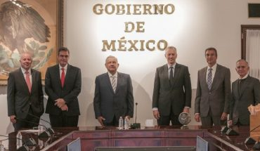 AMLO meets with head of refresher after Gatell's criticism of those drinks
