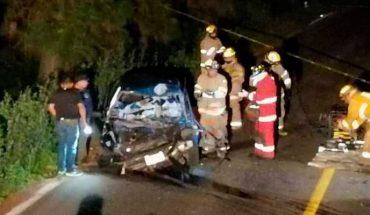 Chofer de auto perece prensado en accidente vial en la carretera libre Pátzcuaro-Uruapan
