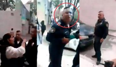 CdMx Police spits on a woman on streets of the Narvarte colony; already research it (Video)