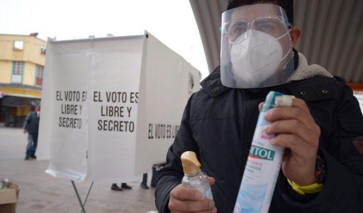 Acuden a votar en medio de pandemia; registran quema de una urna en Hidalgo