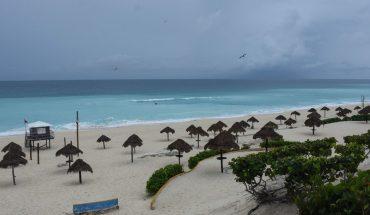 Huracán Delta se degrada a categoría 2 en Puerto Morelos; se dirige a Cancún