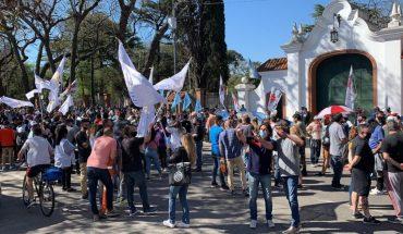 Manifestantes mostraron su apoyo a Alberto Fernández en la quinta de Olivos