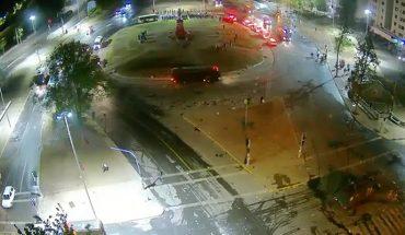Masiva protesta a casi un año del 18-O: Carabineros logró dispersar a manifestantes de Plaza Italia