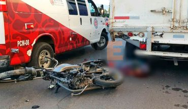 Motociclista pereció al chocar contra camioneta estacionada en Zamora, Michoacán