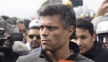 Opositor Leopoldo López abandona embajada española y se iría de Venezuela