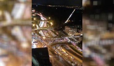 París: Cientos de autos embotellados antes del toque de queda