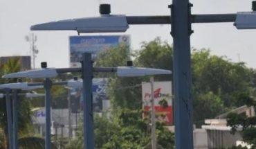 Presentan fallas lámparas LED casi nuevas en Culiacán
