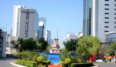 Retiran la estatua de Cristóbal Colón en Reforma para restaurarla