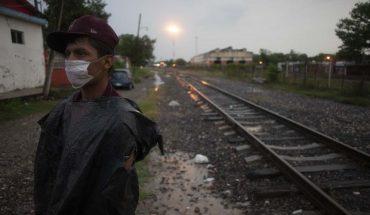 las vías del tren volvieron a ser la ruta de migrantes