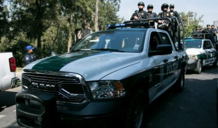 Cuajimalpa officials arrested with a gun and money