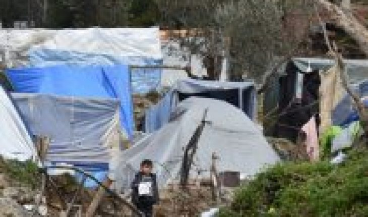 """Doctors Without Borders denounces """"negligent and dangerous response to Covid-19"""" in Vathy refugee camp"""