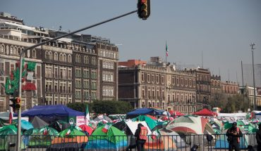 Frena members arrive at the Zocalo to expand their planting