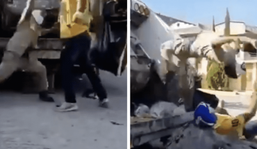 Garbage collectors surprise with wrestling routine