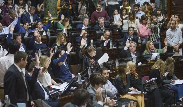 The Legislature approved the construction of private buildings in Costa Salguero