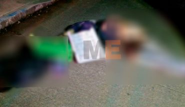 They execute two and leave them narcomensage in Tanganycuro, Michoacán