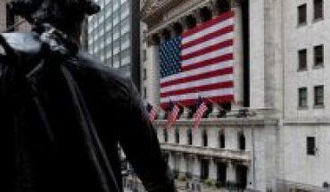 Wall Street abandons Donald Trump