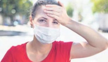 Wearing masks with folds helps you suffer less in the heat