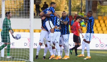With Alexis and Vidal in the starting eleventh Inter beat Benevento 5-2