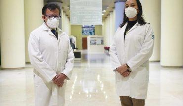 Dos médicos del IMSS reciben condecoración por su labor durante la pandemia