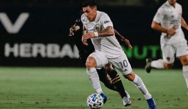 Entre los rumores de su vuelta a Boca, Pavón fue elegido MVP de LA Galaxy