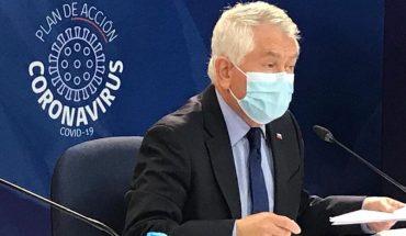 """Ministro de Salud tras polémica por salarios de médicos: """"No se va a bajar ningún sueldo, no se pueden bajar"""""""