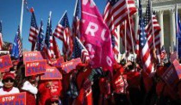 No se resignan: Trumpsaluda a sus seguidores que protagonizan masiva marcha en Washington
