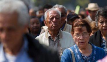 Pensión para adultos mayores y niños con discapacidad aumentará en 2021