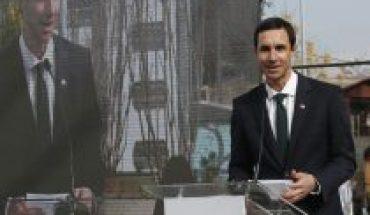 """Prohibición de corte de servicios básicos: Ministro de Energía asegura que """"no tuvo buena acogida"""" de compañías eléctricas para que voluntariamente extendieran el beneficio"""