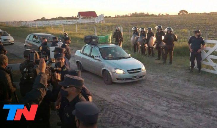 Los militantes de Juan Grabois abandonaron en caravana la estancia de la familia Etchevehere
