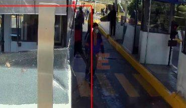 Detienen a 66 normalistas en la caseta de Panindícuaro, Michoacán