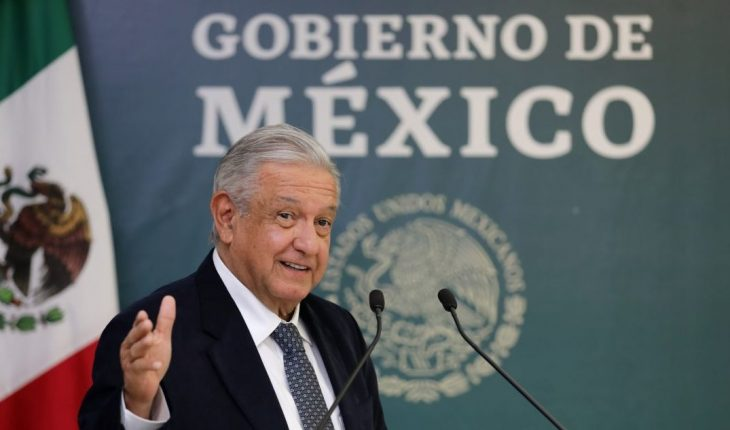AMLO promises base to government workers hired by outsourcing