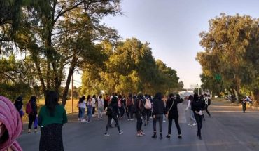 Cuautitlán police disperse protest of women with tear gas