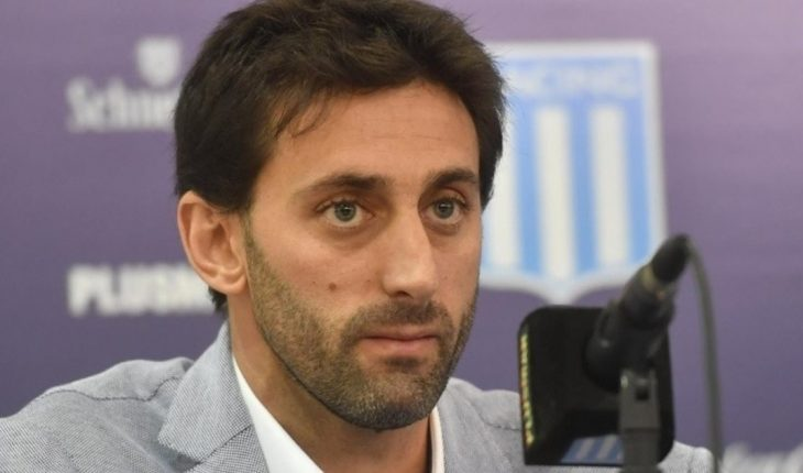"Diego Milito announced that he leaves Racing: ""I don't share the model and ideas of the club and the president"""