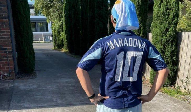 He ran 10 kilometers to pay homage to Maradona