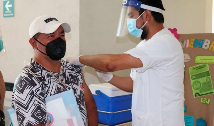 Influenza vaccine continues to be application in MISS Michoacán