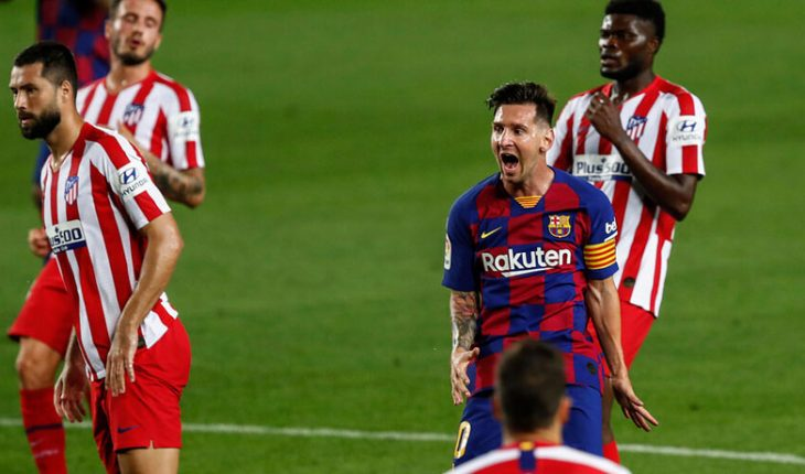 Lionel Messi pays tribute to Diego Maradona in Barcelona match against Osasuna