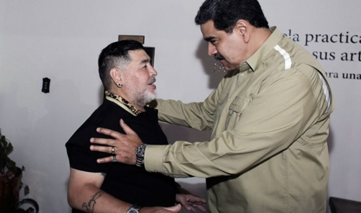 """Nicolás Maduro wrote a letter to Maradona: """"We have received a devastating blow"""""""