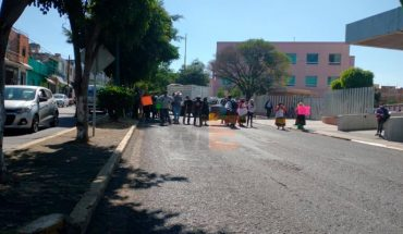 Normalistas exigen la liberación de 14 de sus compañeros