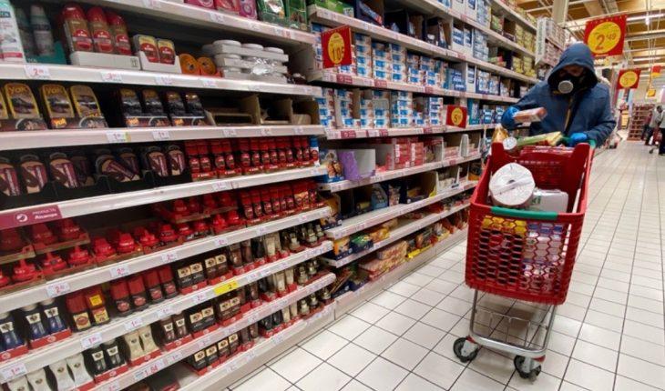 Retail sales fell 14% in October