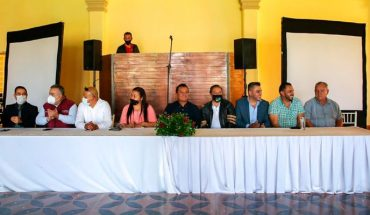 Structures and 6,000 committees support Torres Piña