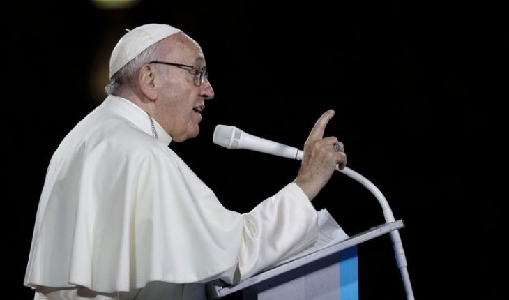 """The Pope alerted new cardinals to """"get lost in a thousand things"""" and get away from God"""