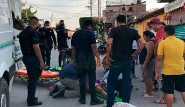 Adolescentes se lesionan en choque de motocicletas en Huetamo, Michoacán